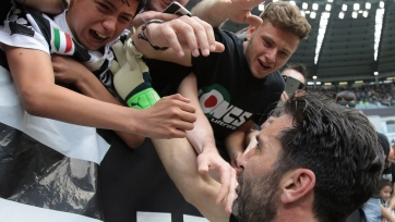 «Ювентус» завершил сезон победой над «Вероной»