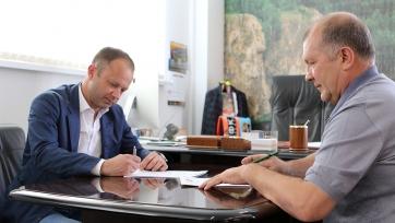 Официально: Парфёнов подписал контракт с «Уралом»