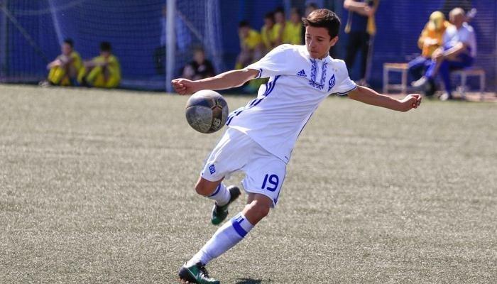 Бавария пригласила 15-летнего хавбека киевского Динамо