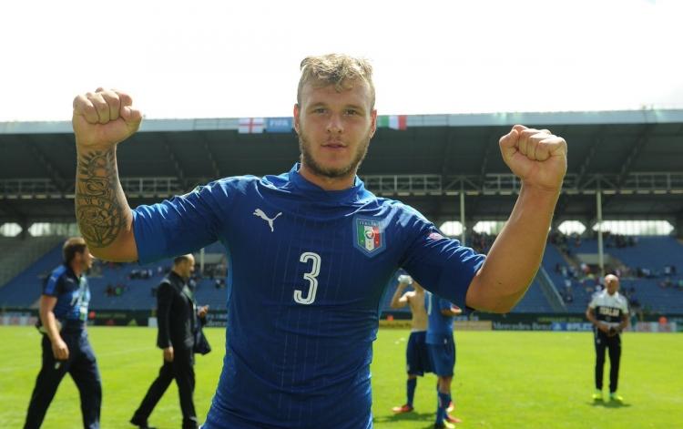 Официально: Интер подписал 20-летнего защитника