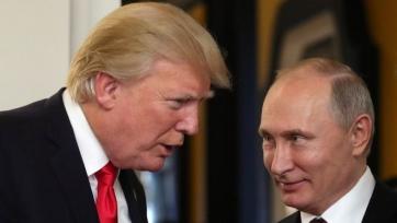 Трамп поздравил Францию, Путина и Россию