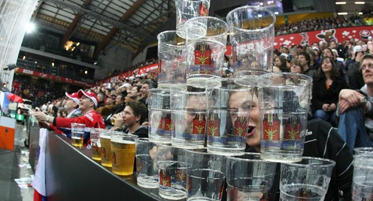 Верните мне мой 2002-й. Почему пиво на стадионе – это ад