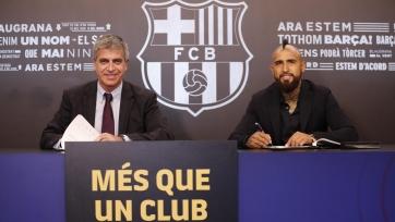 Официально: Видаль представлен в качестве игрока «Барселоны»