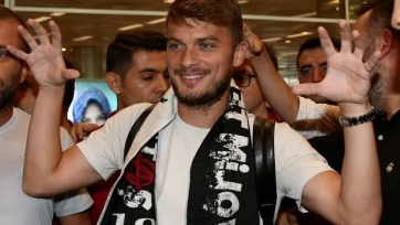 Официально: Льяич продолжит карьеру в «Бешикташе»