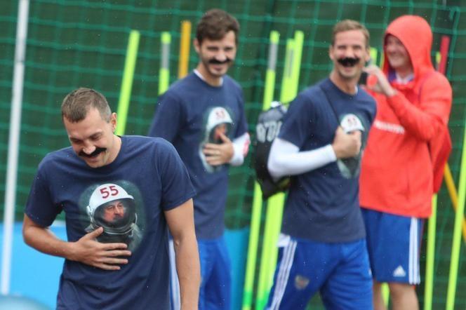 Футболисты сборной России оригинально поздравили Черчесова с Днём рождения (фото)
