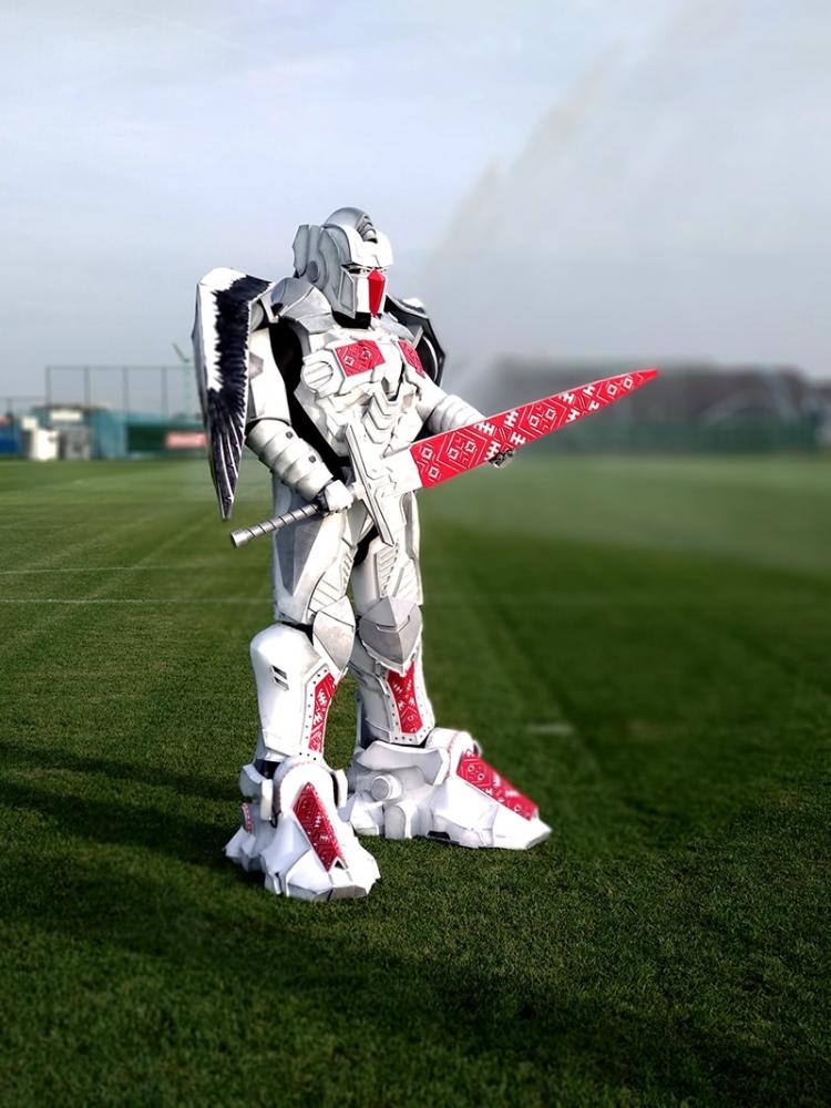 В Беларуси началась эра Вольтрона. У сборной – маскот-робот (фото+видео)