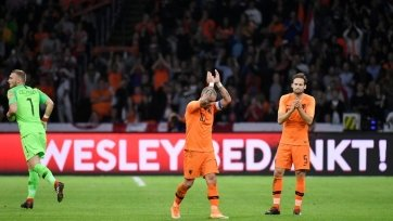 Дубль Депая принёс Нидерландам победу над Перу