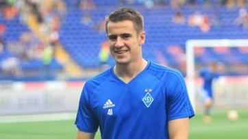 Нападающий киевского «Динамо» отмечает преимущество своего поля