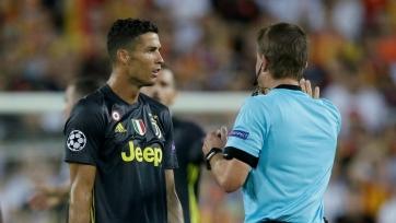 Роналду получил первую красную карточку в ЛЧ в своей карьере