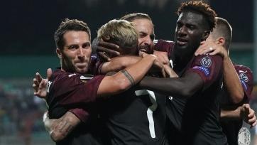 Гол Игуаина принёс «Милану» победу над «Дюделанжом», «Олимпиакос» и «Бетис» разошлись миром