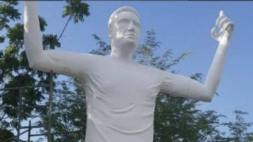 В Колумбии установили памятник Радамелю Фалькао