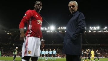 Моуринью и Погба побеседовали во время тренировки «Юнайтед» (видео)