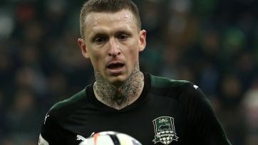 Мамаев может подать встречный иск к водителю телеведущей, футболист получил серьезную травму