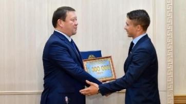 Миллион тенге получил Луценко от акима Северо-Казахстанской области