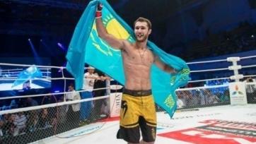 Казахстанский боец ММА победил россиянина на турнире в Челябинске