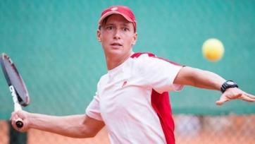 Евсеев выиграл первый матч на турнире в Ноксвилле