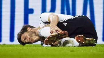 Защитник сборной Германии повредил лодыжку в матче с Россией