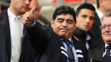 Мексиканский клуб подарил Марадоне роскошный автомобиль