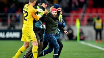 Фанат, подбежавший к Глушакову во время матча: «Хотел сказать ему: «Уходи из «Спартака»!»
