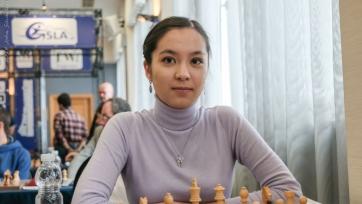 Шахматы. Садуакасова - 18-я в рейтинге ФИДЕ, Абдумалик - 20-я