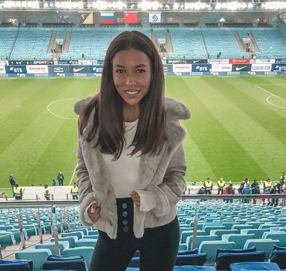 Девушка Рауша. Очаровательная красавица с большой футбольной душой