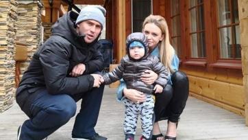 Жена Кержакова забрала сына у супруга