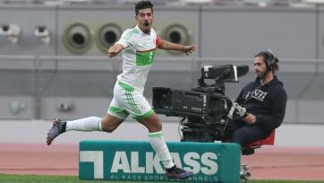 Лучший бомбардир года принес Алжиру победу над Катаром. Форварда уже ждут в АПЛ