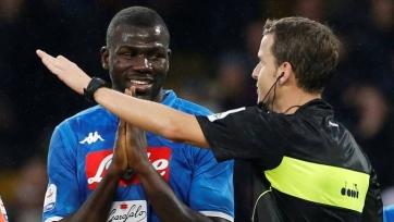 ФИФА прикажет арбитрам останавливать матчи из-за проявлений расизма