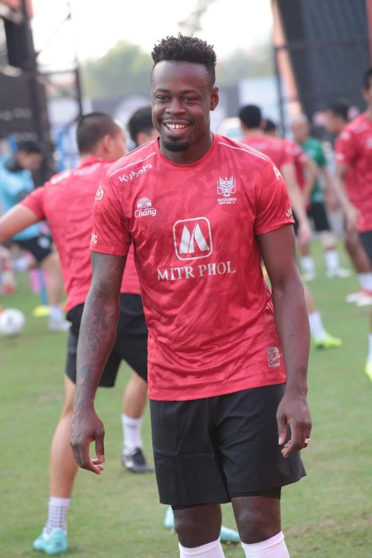 Бывший нападающий «Анжи» и «Зари» продолжит карьеру в Таиланде