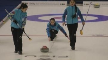 Молодежные сборные Казахстана по керлингу провели по два матча на чемпионате мира