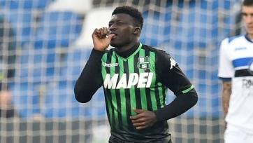Миланские клубы ведут борьбу за игрока «Сассуоло»