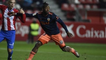 «Монако» арендовал у «Челси» нападающего