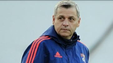 В «Лионе» не спешат продлевать главного тренера команды