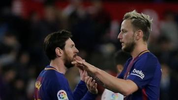 Ракитичу наскучило в «Барселоне», самые богатые футболисты Европы и Африки, печальная развязка в поисках Салы