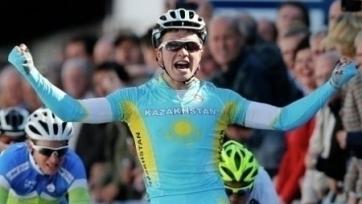 Велоспорт. Гонщик «Астаны» выиграл пятый этап «Тура Омана» и продолжает лидировать в общем зачете