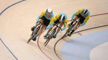 Казахстанцы бесславно выступили в командном спринте на ЧМ по трековому спорту
