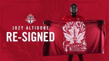 Алтидор продлил контракт с «Торонто»