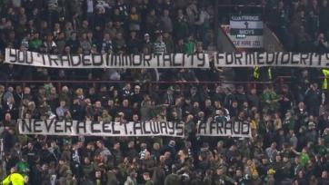 Фанаты «Селтика» проклинают Роджерса за уход из клуба и желают ему смерти. Видео
