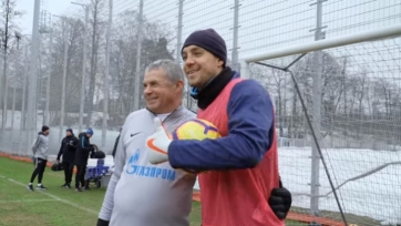Дзюба и Медведев посоревновались в пробитии пенальти. Видео