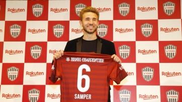 Сампер официально стал одноклубником Иньесты, Вильи и Подольски