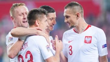 Левандовски, Крыховяк, Пентек и еще 25 футболистов вызваны в сборную Польши