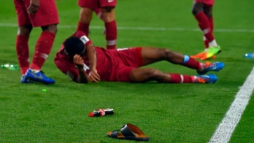 Сборная ОАЭ наказана за то, что болельщики команды забросали обувью и бутылками игроков Катара
