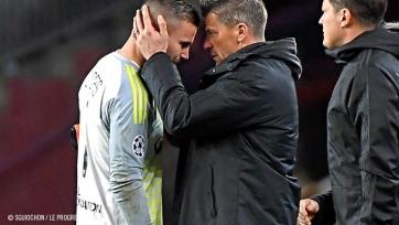 У вратаря «Лиона» подозрение на сотрясение мозга после матча с «Барселоной»