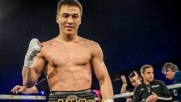 Казахстанец Джукембаев выиграл 15-й бой в профи