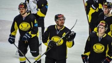 «Сарыарка» одолела «Нефтяник» в матче плей-офф ВХЛ