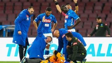 Голкипер «Наполи» получил травму головы в матче с «Удинезе» и на время потерял сознание. Видео