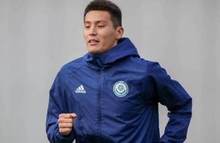 Защитник сборной Казахстана получил травму в матче с Шотландией