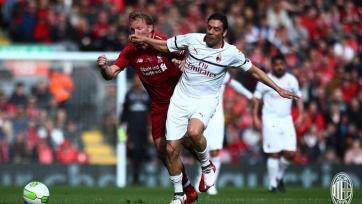 Гол Джеррарда принес легендам «Ливерпуля» победу над легендами «Милана». Видео