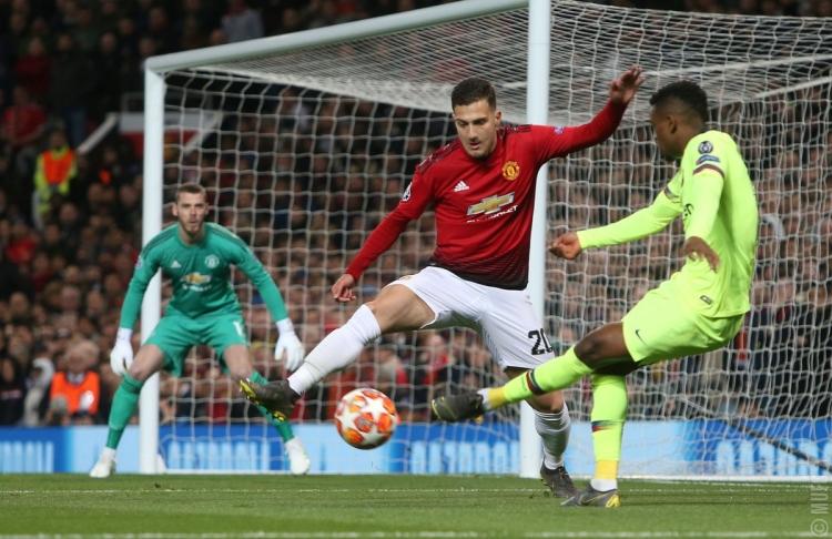 «Барселона» на «Олд Траффорд» с минимальным счетом одолела «Манчестер Юнайтед»