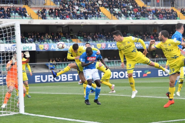 Чемпионат италии по футболу кьево- наполи